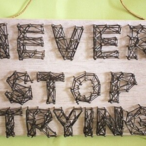 Placa 3D NEVER STOP TRYING - 3DNST